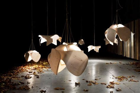 suspended objects  resemble jellyfish interiorzine