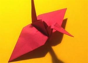 Origami Kranich Anleitung : origami kranich bastelanleitung in bildern ~ Frokenaadalensverden.com Haus und Dekorationen