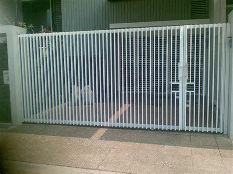 rumah minimalis modern gambar  jenis pagar rumah