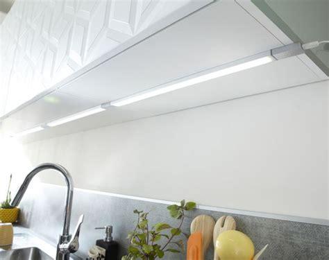 re led cuisine la cuisine s 39 illumine côté maison