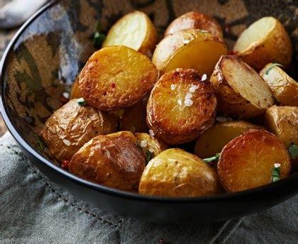 la cuisine au barbecue pomme de terre au four recette de pomme de terre au four marmiton