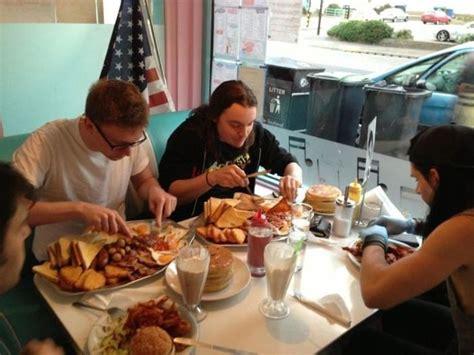 dumpertnl ontbijten op zn amerikaans