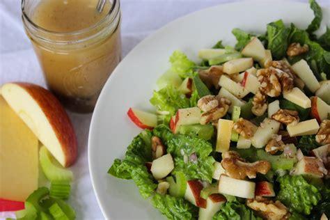 mes recettes de cuisine salade de céleri branche aux pommes et aux croustillantes