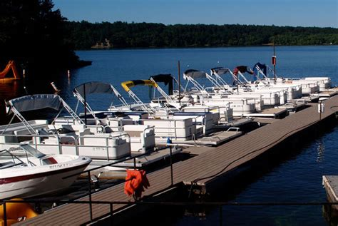 Boat Rental Wisconsin by Boat Rentals On The Wisconsin River Dells