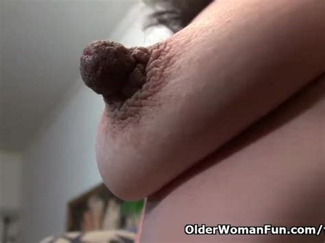 American Milf Sahara Takes Care Of Her Lady Bits Free