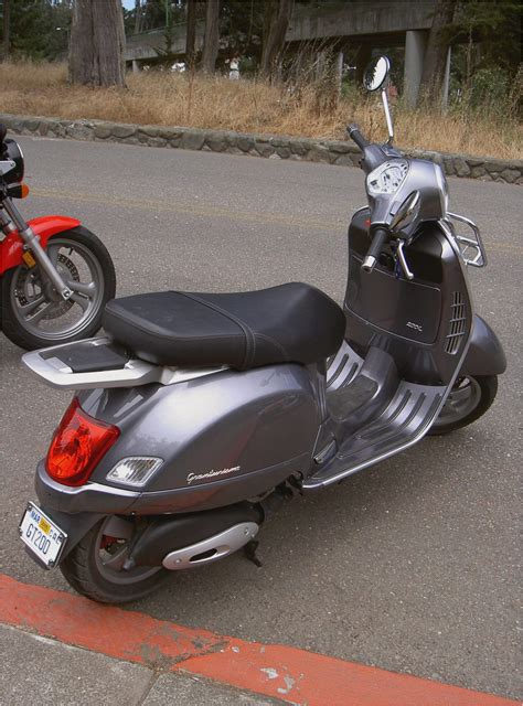 vespa gt gts motor scooter guide motorcycles catalog  specifications pictures ratings