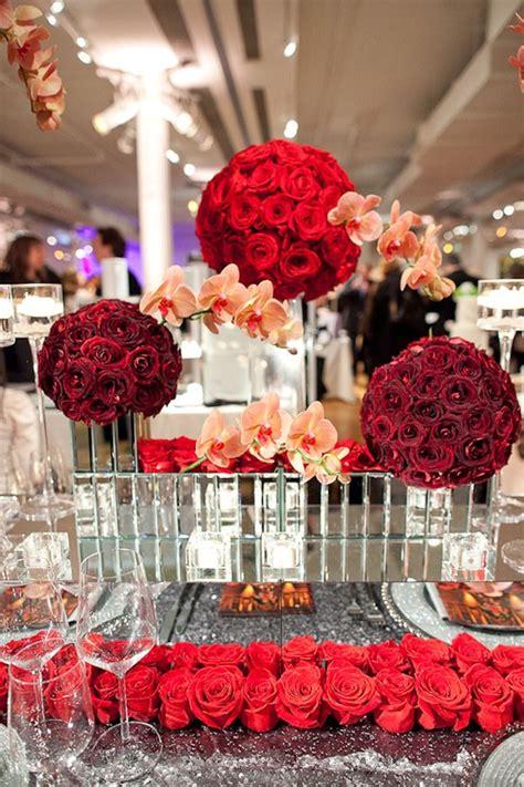 pour une decoration de mariage theme rouge nous vous