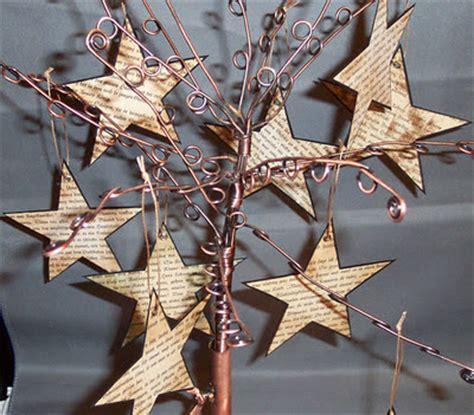 sterne basteln aus buchseiten zwei linden vor dem haus recycling weihnachtssterne aus buchseiten