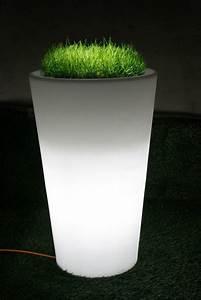 Pot Fleur Lumineux : le pot de fleur lumineux repr sente une d co charmante de vos jardins ~ Nature-et-papiers.com Idées de Décoration