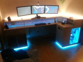 Gaming Schreibtisch Selber Bauen : die besten 25 pc schreibtisch ideen auf pinterest pc schrank computer schreibtisch ~ Markanthonyermac.com Haus und Dekorationen