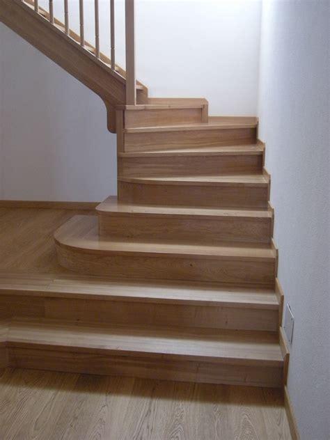 corrimano in legno per scale aita legno l arte legno su misura scale in legno