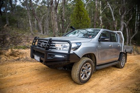 Toyota 4x4 by 2016 Toyota Hilux Sr 4x4 Cab Chassis Review Caradvice