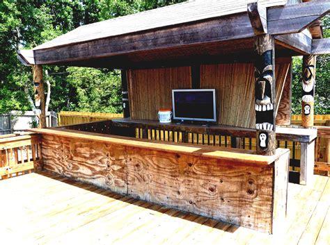 Backyard Tiki Bar by Home Pool Tiki Bar With Cool Green Landscaping Ideas