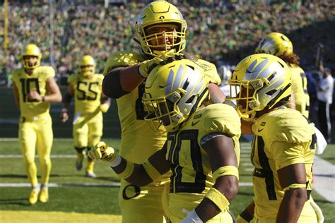 College football best bets for Week 8: Score predictions ...