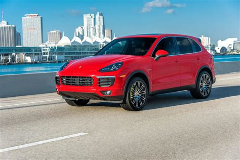 Porsche Cayenne Picture by Porsche Cayenne Wallpapers Pictures Images