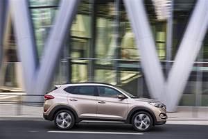 Essai Hyundai Tucson Essence : hyundai tucson le haut de gamme essence l 39 essai ~ Medecine-chirurgie-esthetiques.com Avis de Voitures