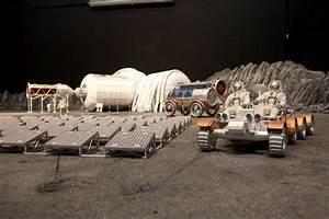 || MINIATURE MOON BASE — Model of a lunar base by Bigelow ...