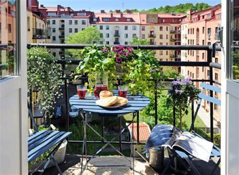 Balkon Ideen Interessante Einrichtungsideen Kleiner Balkonsbalkon Ideen Holzeinrichtung Fuer Den Balkon by Den Balkon Gestalten 3 Einfache Schritte F 252 R Die