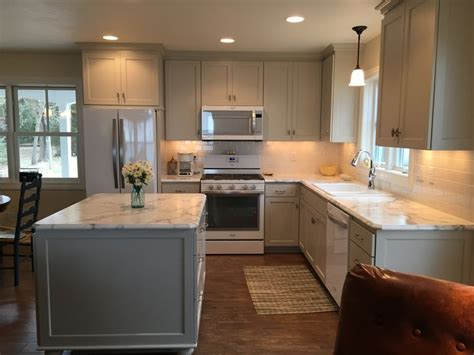 white formica kitchen cabinets 25 best ideas about formica cabinets on 1302