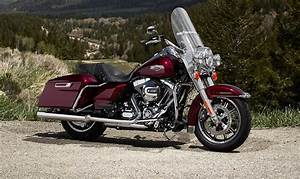 Harley-davidson Road King Reviews  Specs  U0026 Prices