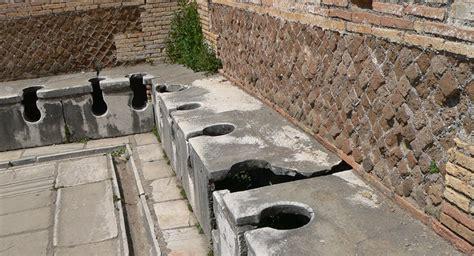 toilettes publics les toilettes un vrai tr 233 sor pour les historiens