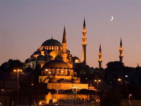 Listen Masjid Istanbul
