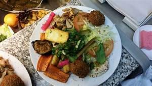 Berlin Essen Günstig : essen und trinken wo man in berlin wedding hingehen sollte ~ Markanthonyermac.com Haus und Dekorationen