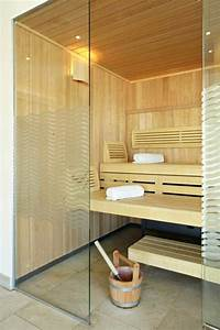 Sauna Mit Glasfront : sauna mit glasfront 52 ultramoderne designs ~ Whattoseeinmadrid.com Haus und Dekorationen