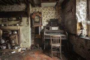 room old house waste things abandonment HD wallpaper