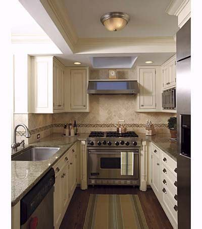 best layout for galley kitchen best 25 small galley kitchens ideas on galley 7734