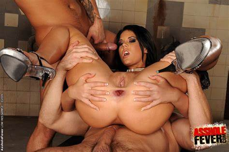 Extreme Park Nailed Threesome Twats Fever Madison Parker Candy Bush Stretched By Strangers