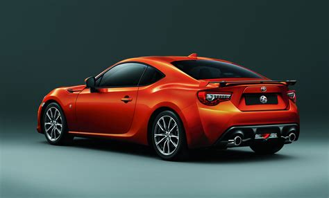 toyota introduces 86 facelift