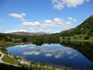 Rydal Water - Picture of Loughrigg Fell, Ambleside ...