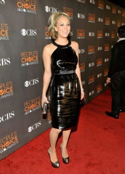 kaley cuoco measurements height weight bra size age
