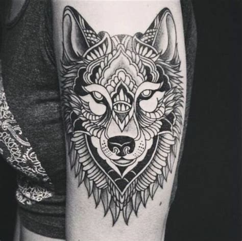 tatouage mandala femme epaule cochese tattoo