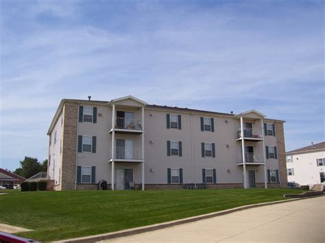 1 bedroom apartments bloomington il apartment mart
