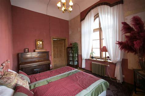 Sarkanā istaba - Nakšņošana - Abgunstes muiža