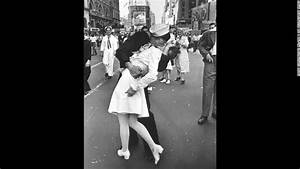 V-J Day 70th anniversary: The Kiss - CNN.com