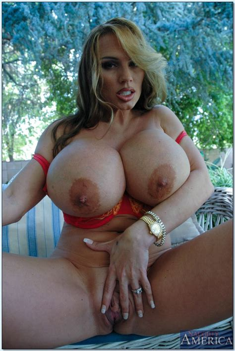 Milf Lisa Lipps Display Her Huge Assets Milf Fox