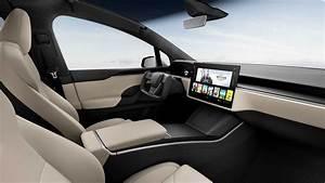 Tesla Model S 2021 estreia com interior arrojado e até 840 km de autonomia