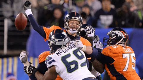 seahawks defense dominates manning broncos  super bowl