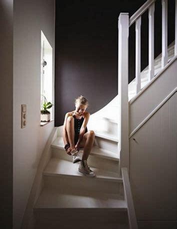 peindre  couloir trouver la bonne couleur escaliers