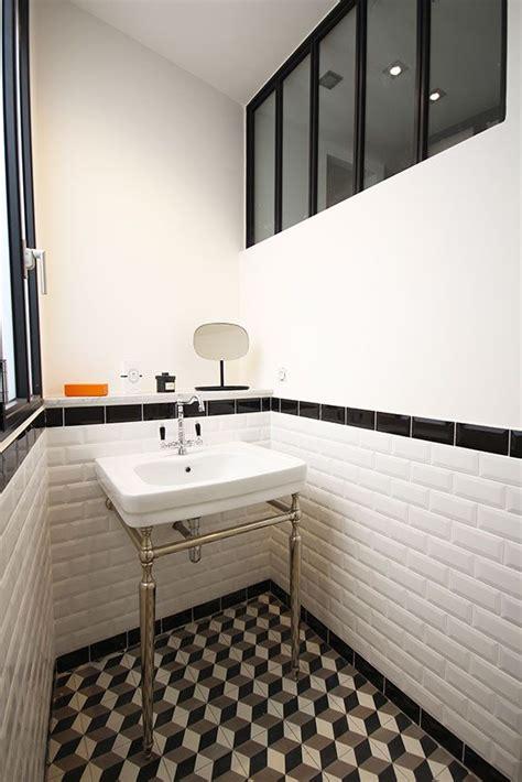 salle de bain retro photo les 25 meilleures id 233 es concernant carrelage de salle de bains r 233 tro sur salles de