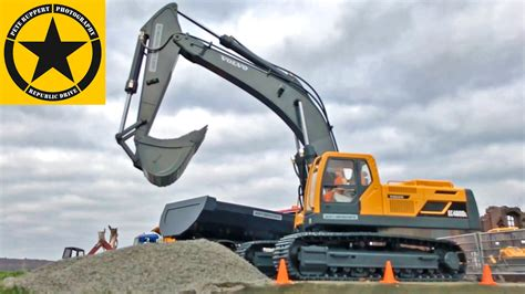 bruder excavator volvo ecdl rc  duty  bruder trucks
