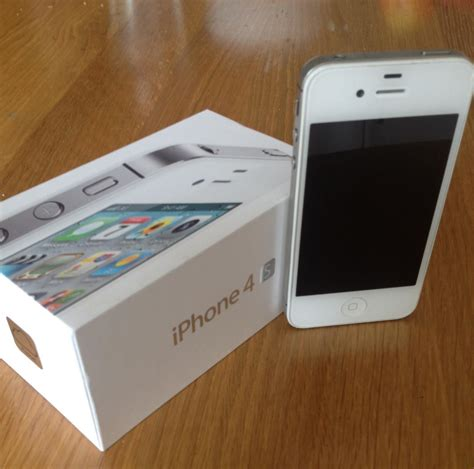 Used Cheap Apple iphone 4s 16gb white for Sale in Sri