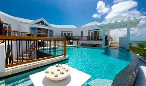mothers house modern holiday ocean villa  grand turk