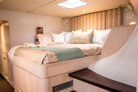 Best Catamaran Sailing Videos by Video Sail Magazine Best Boats Balance 526 Sailing