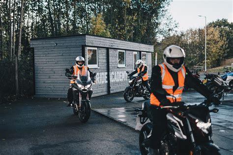 Motobraukšanas izmēģinājuma nodarbība, Moto-kursi, moto ...