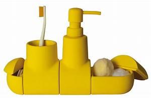 Accessoires Salle De Bain Design : set d 39 accessoires submarine pour salle de bains jaune ~ Melissatoandfro.com Idées de Décoration