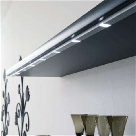 luminaire led pour cuisine eclairage led pour le plan de travail de cuisine